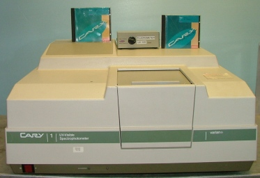 LAB EQUIPMENT Varian cary UV-VISIBLE spectrophotometer id CARY1-0081295 100-120V 220-240V F113024E w