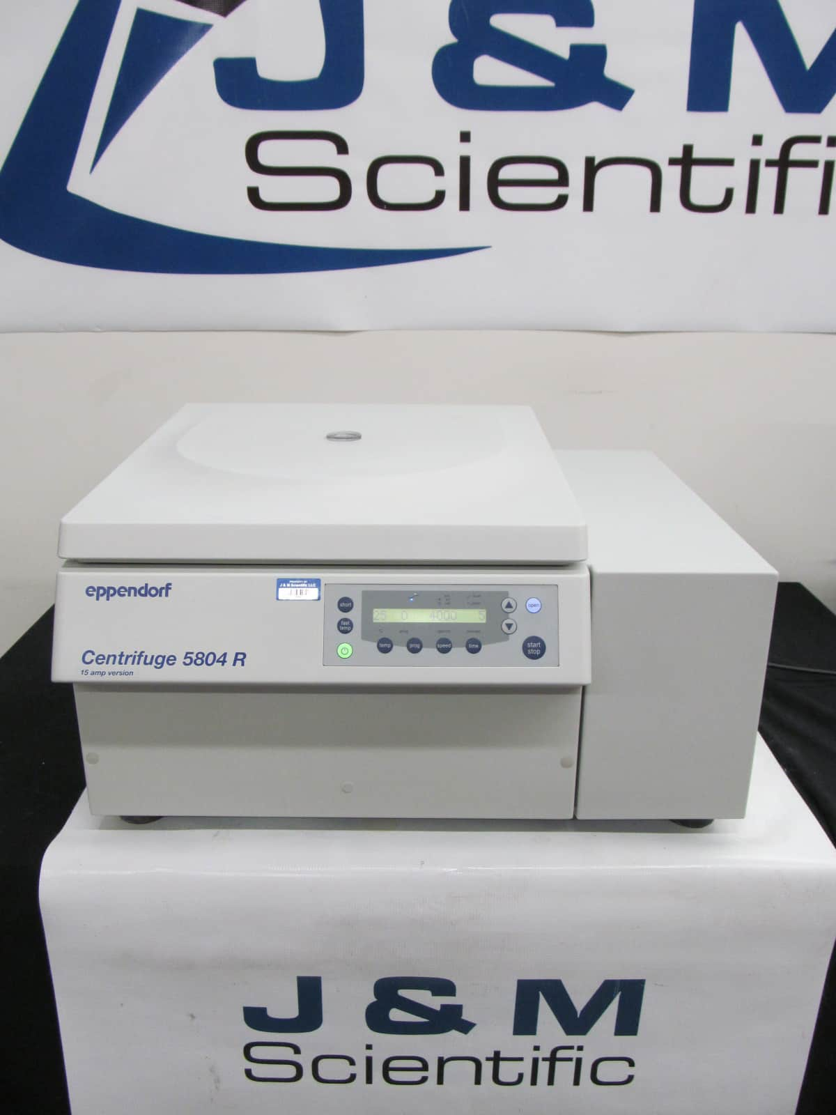 Demo Unit Eppendorf 5804R Centrifuge  - 1 Year Parts & Labor Warranty