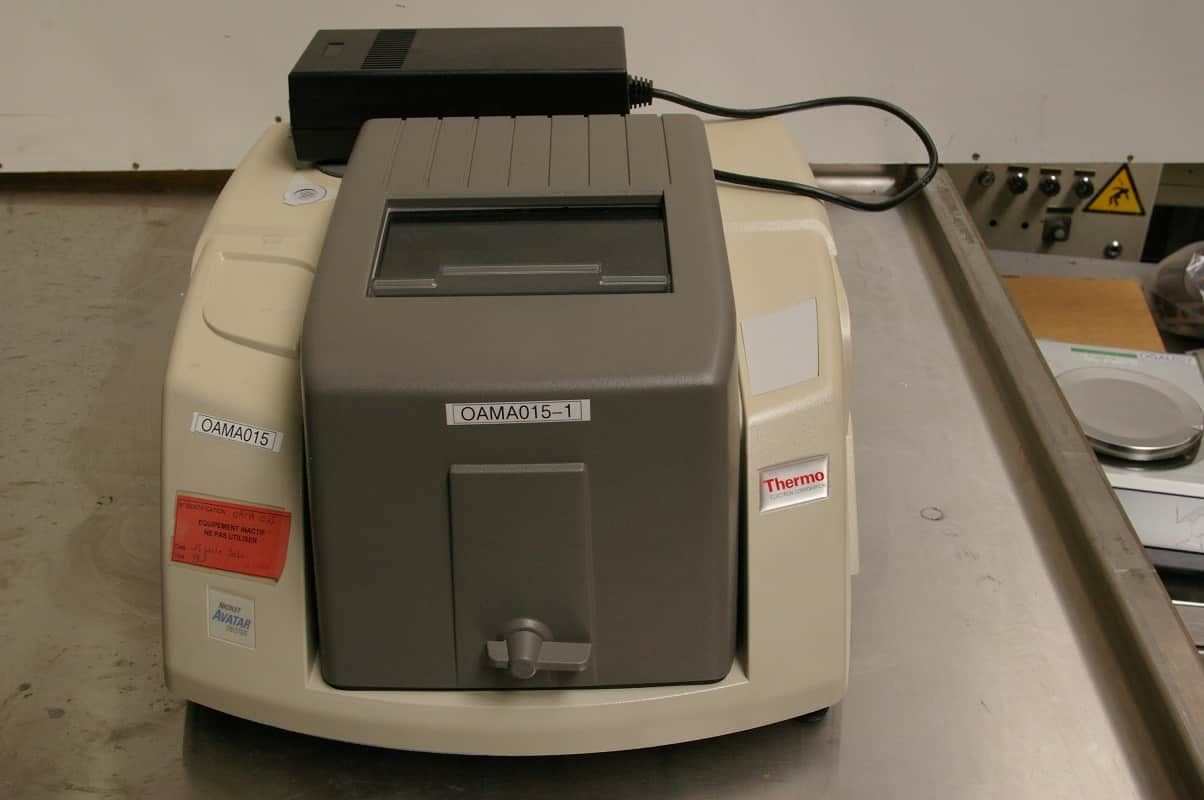 Spectrometer FT-IR AVATAR NICOLET 370 DTGS For Parts