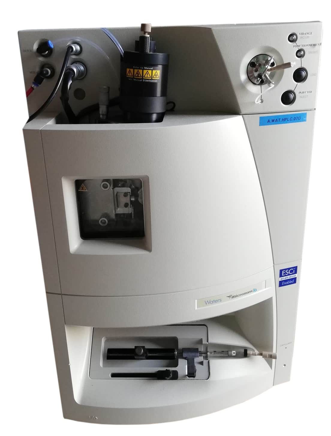 Waters Micromass ZQ 2000 Spectrophotometer System with Pump