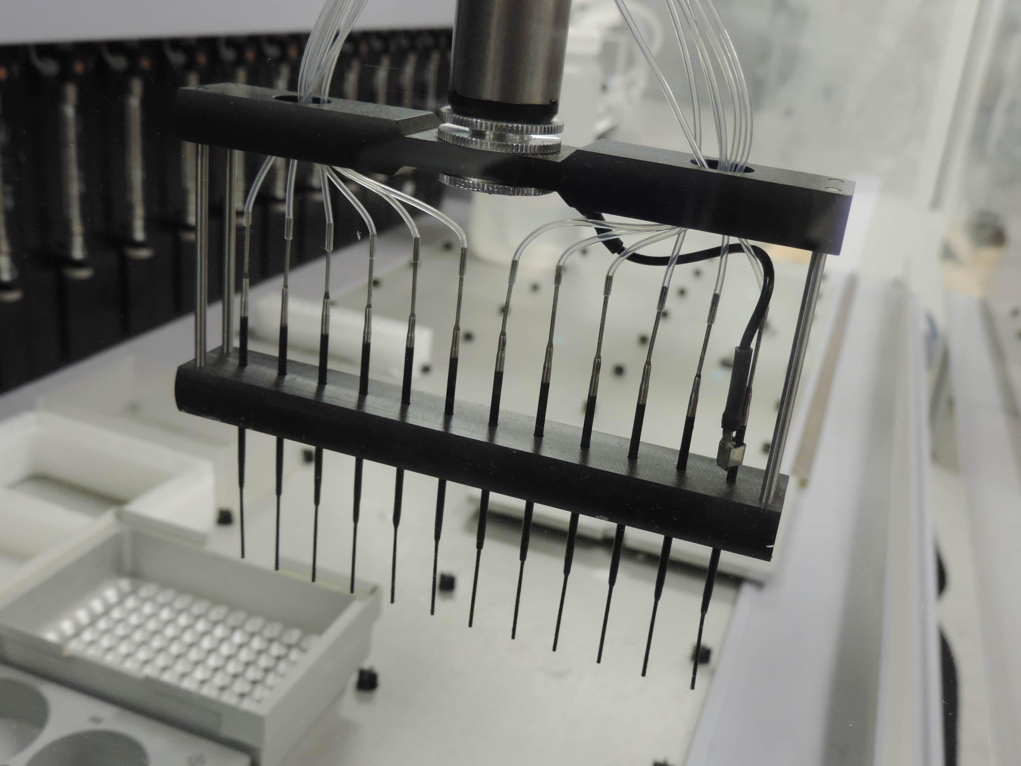 Hamilton™MicroLab 4000® Robotic Liquid Handling System