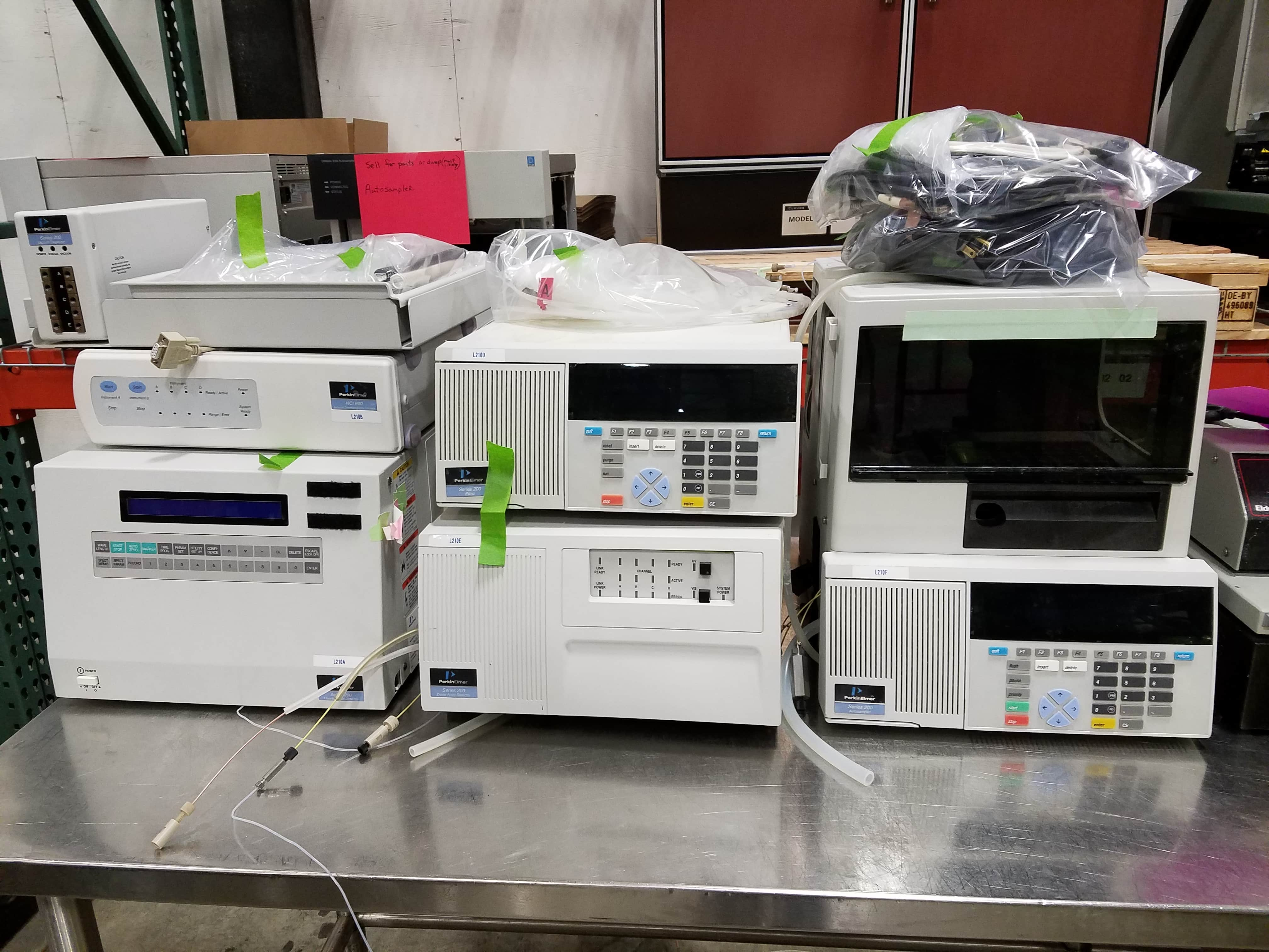 PE HPLC Series 200 with Autosampler and dual Detectors