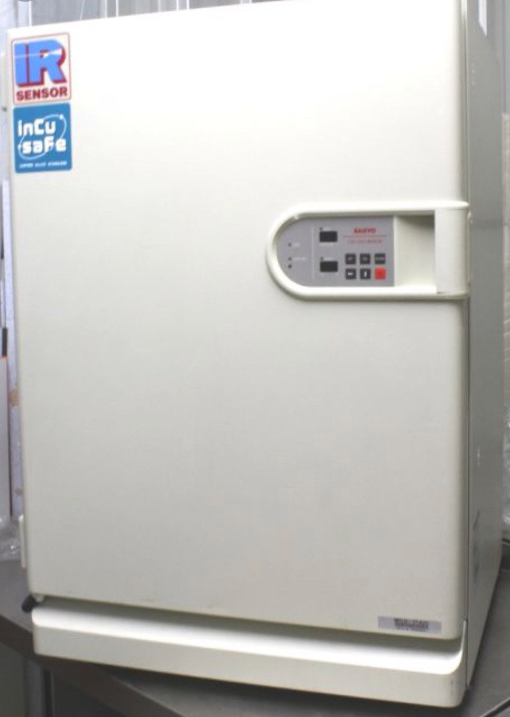 Sanyo Air-Jacketed Incubator MCO-17AIC