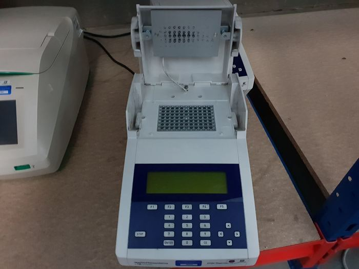 AB Applied Biosystems 2720 thermal cycler