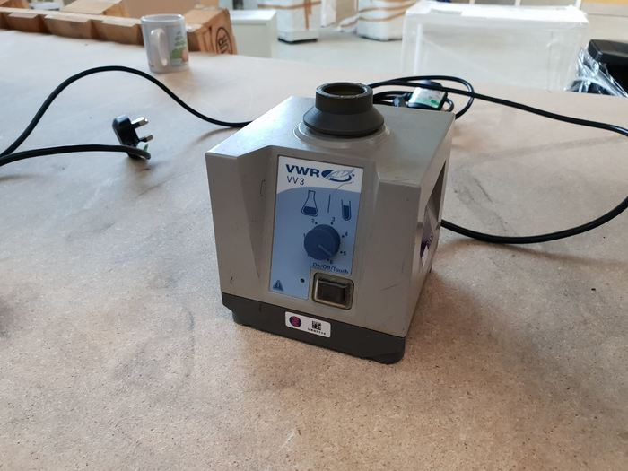 VWR VV3 Vortex Mixer