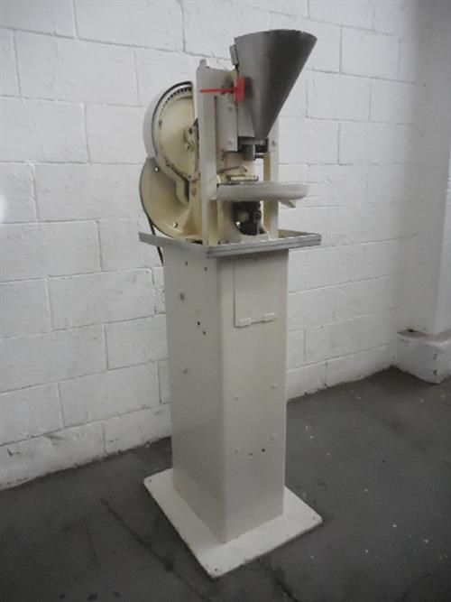 COLTON SINGLE PUNCH TABLET PRESS