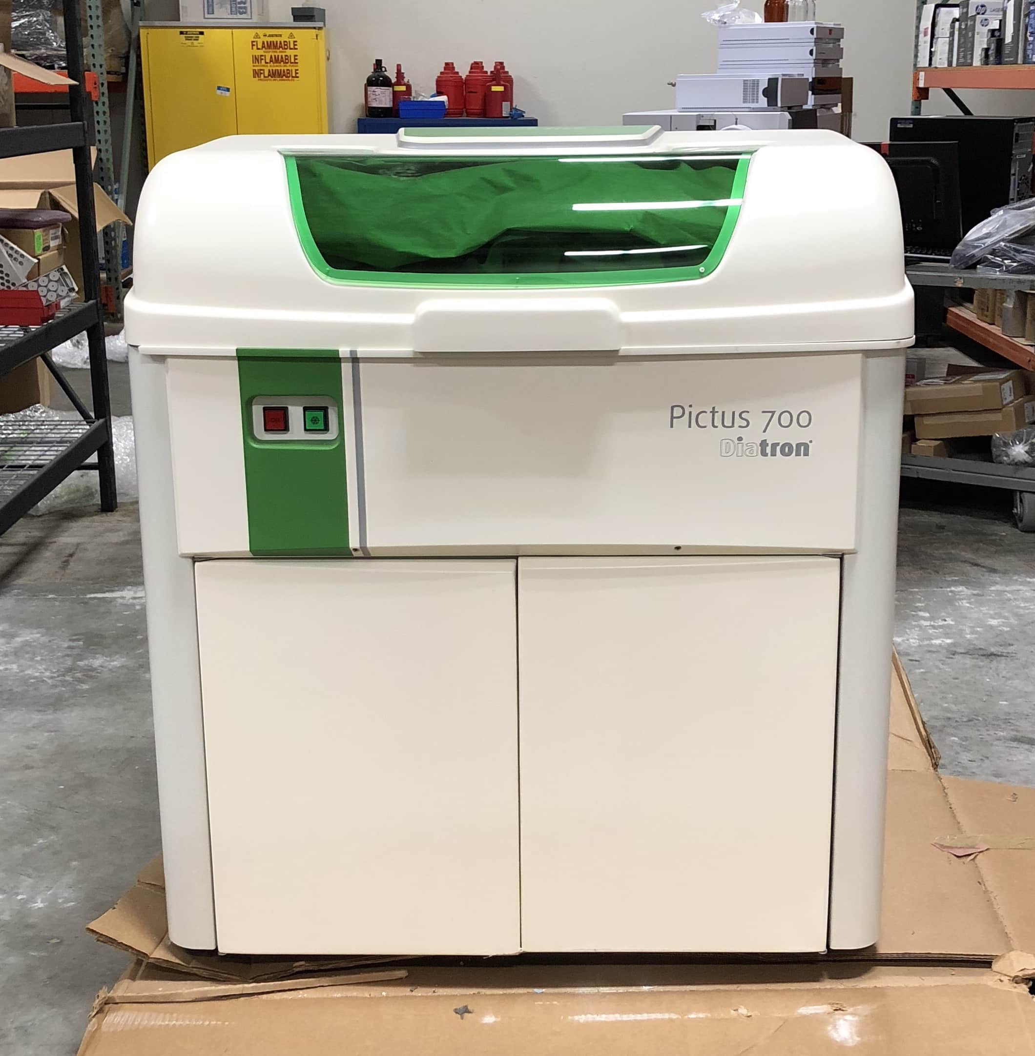 Diatron Pictus 700 Chemistry Analyzer. Sold as is. Installation not included.
