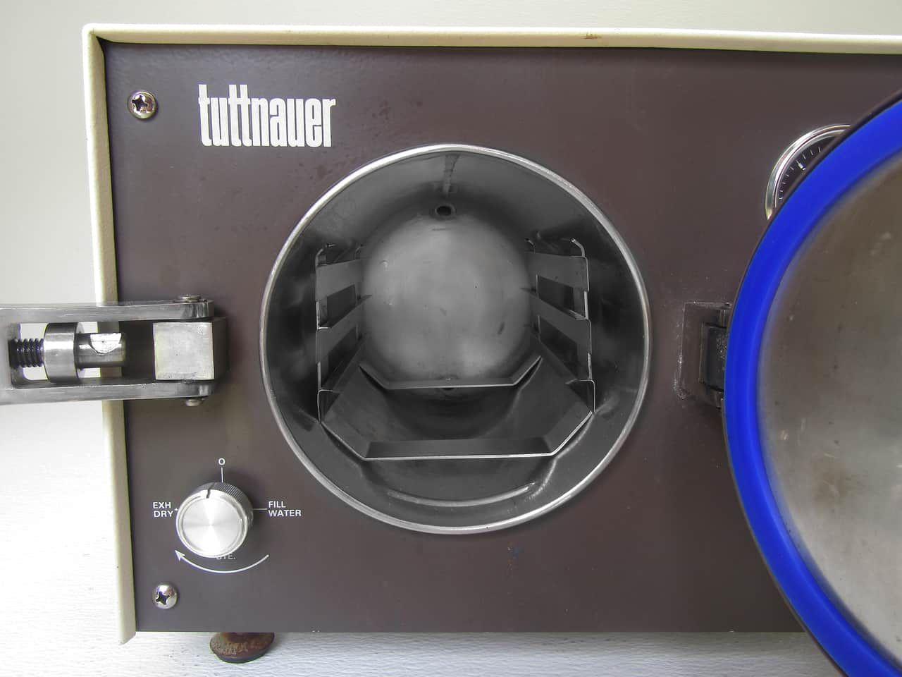 Tuttnauer 1730M ValueKlave  Sterilizer - Super Clean - Clearance