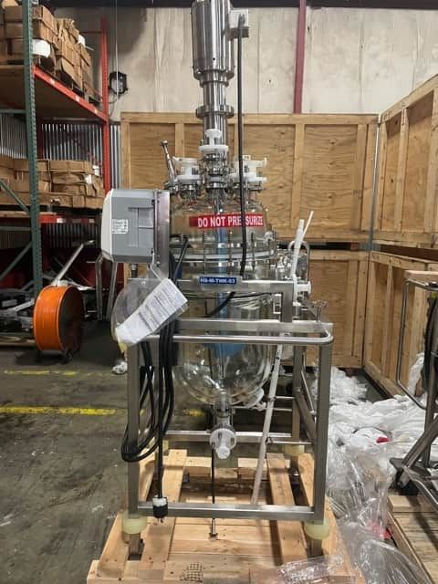 50 Liter Normag Glass Tank with mixer