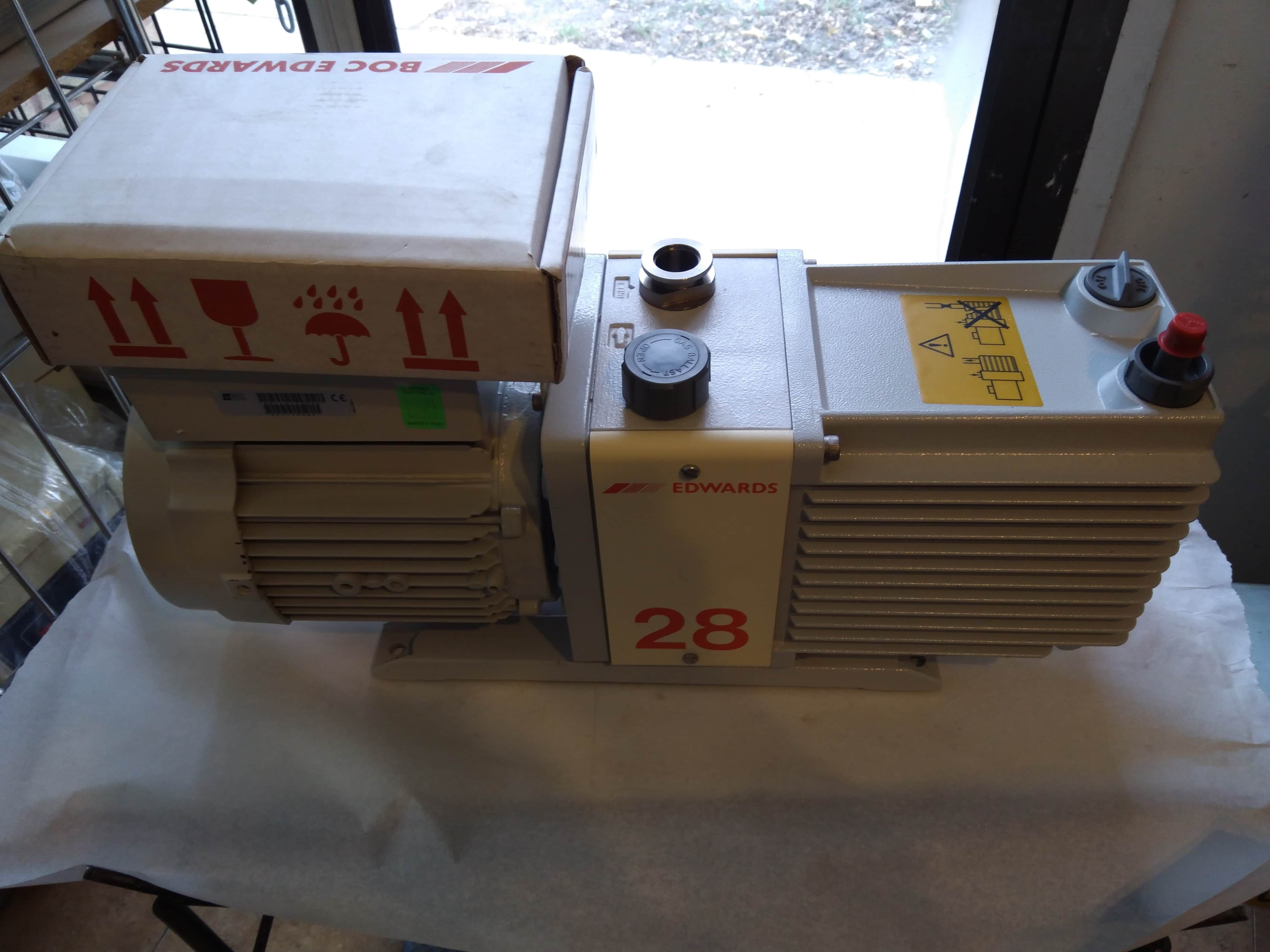 Edwards E2M28 Single Phase Rotary Vacuum Pump