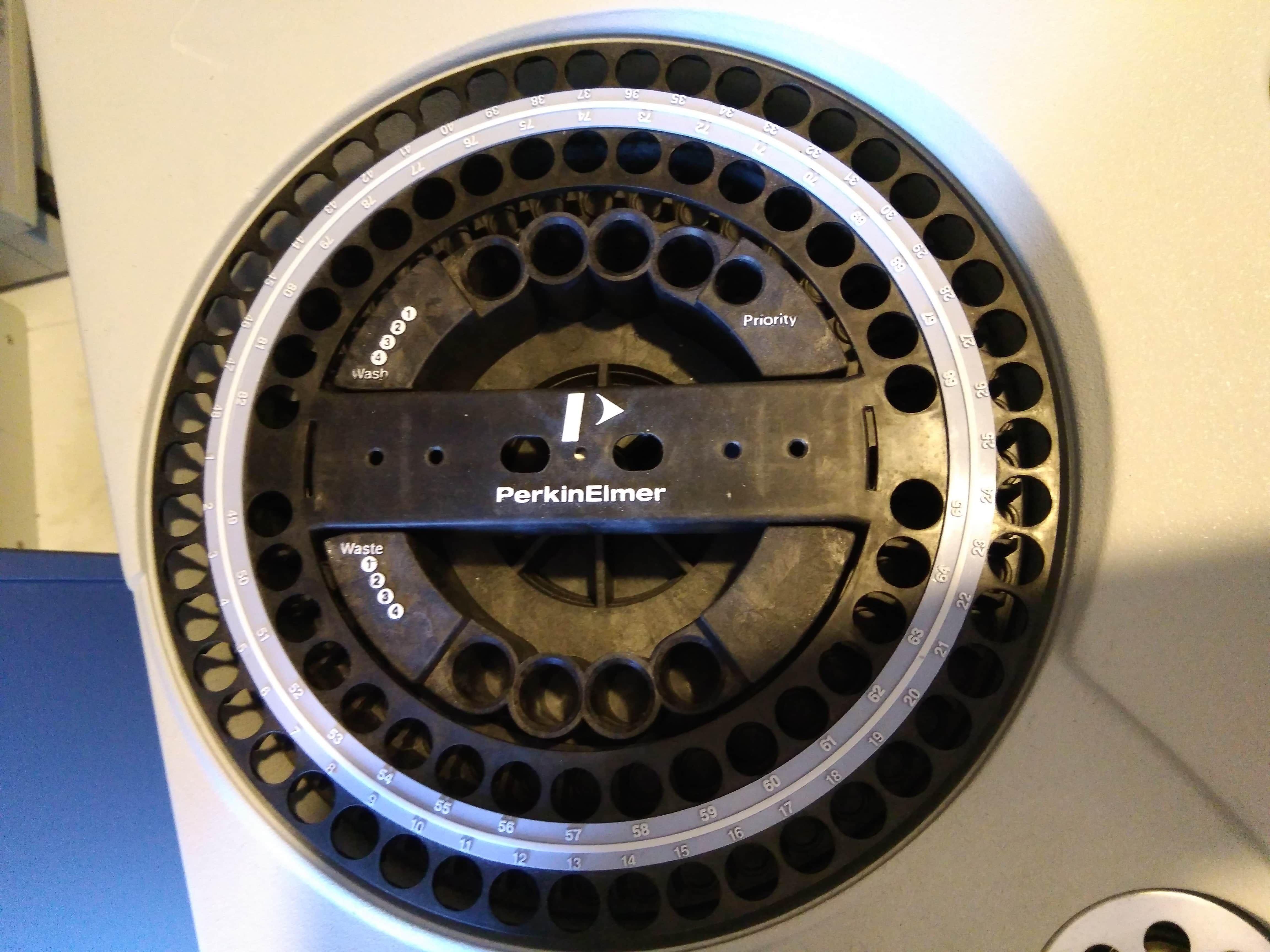 Perkin Elmer Clarus 500 GC Gas Chromatograph System Dual FID Detectors