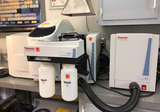 Thermo Scientific iCE 3400 AA Spectrometer System with Thermoflex 900 Chiller and more