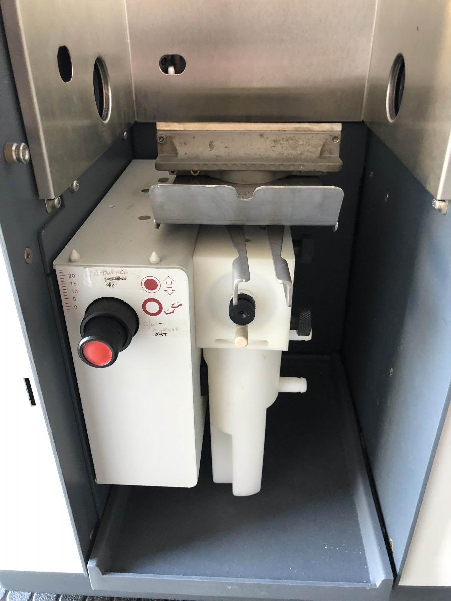 Varian 220 Atomic Absorption spectrophotometer