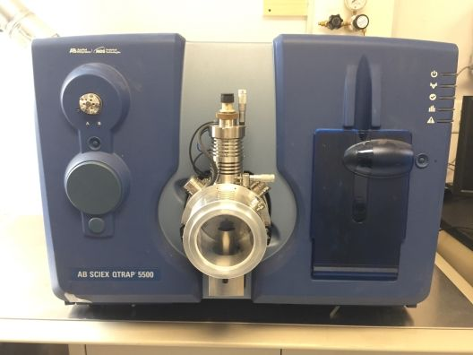 AB Sciex API 5500 Qtrap W/ Shimadzu Prominence LC-20AD UFLC And CTC Autosampler LC/MS/MS Q Trap Syst