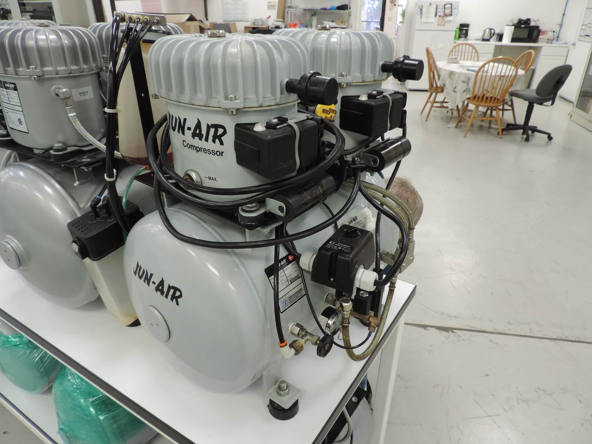 Jun-Air™ 12-40 Industrial/Medical Compressor 120psi, 40L