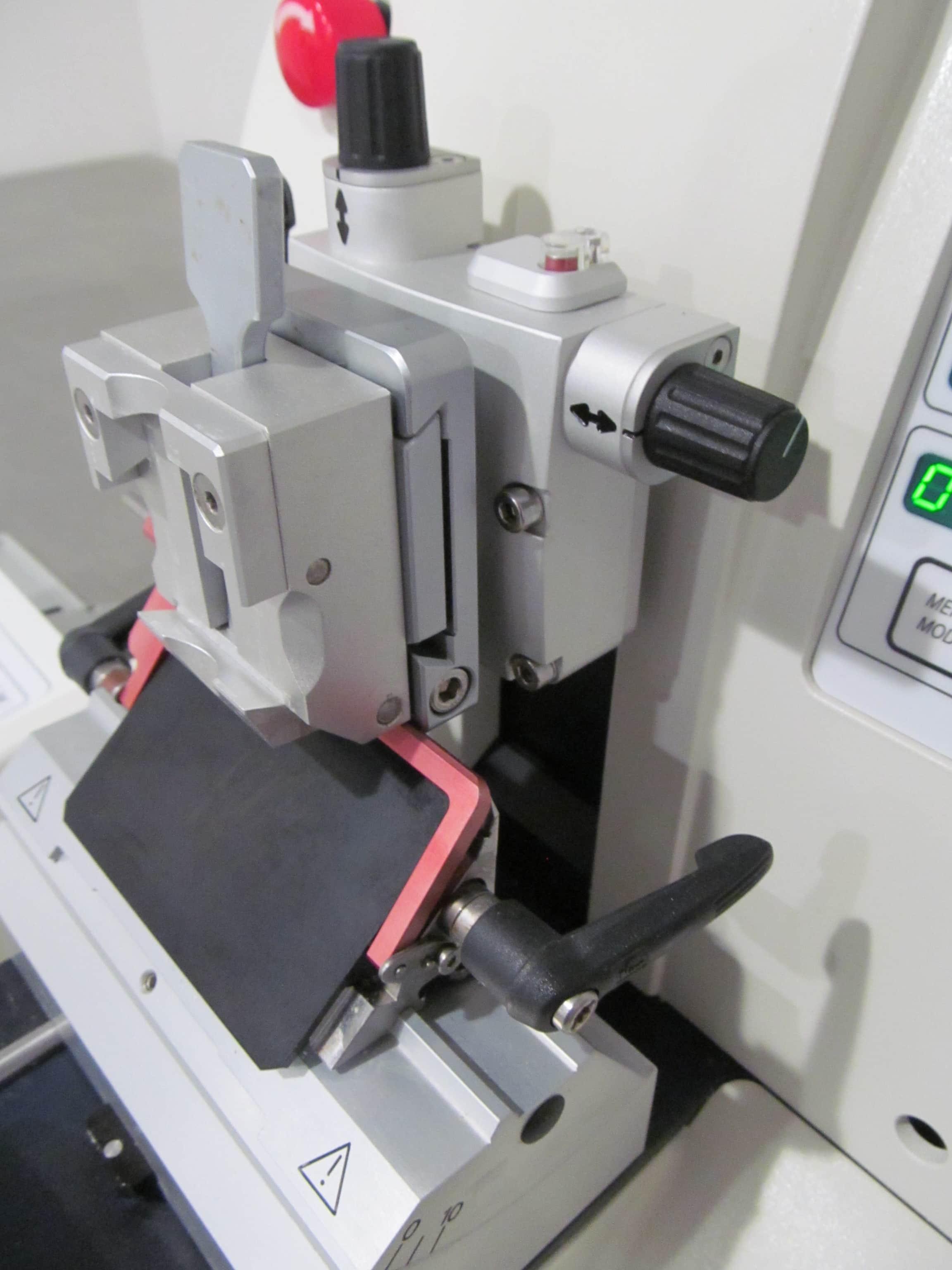 Leica RM2255 Motorized Microtome