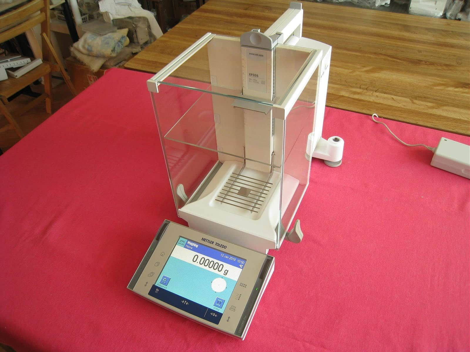 Mettler Toledo XP205 Analytical Balance Scale 81.00000g / 220.0000g