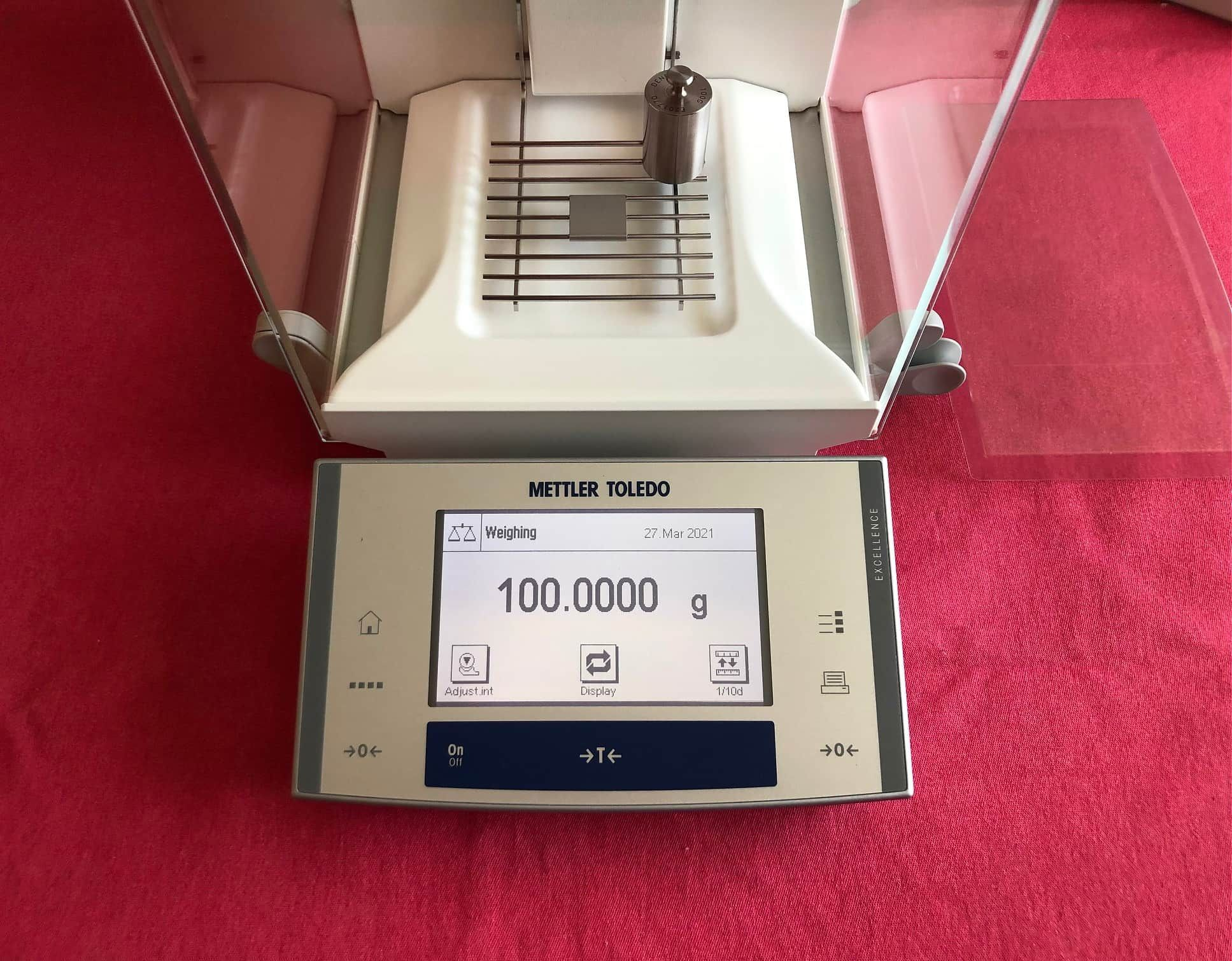 Mettler Toledo XS205 Analytical Balance Scale 81.00000g / 220.0000g