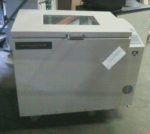 New Brunswick C25KC refrigerated floor shaking incubator