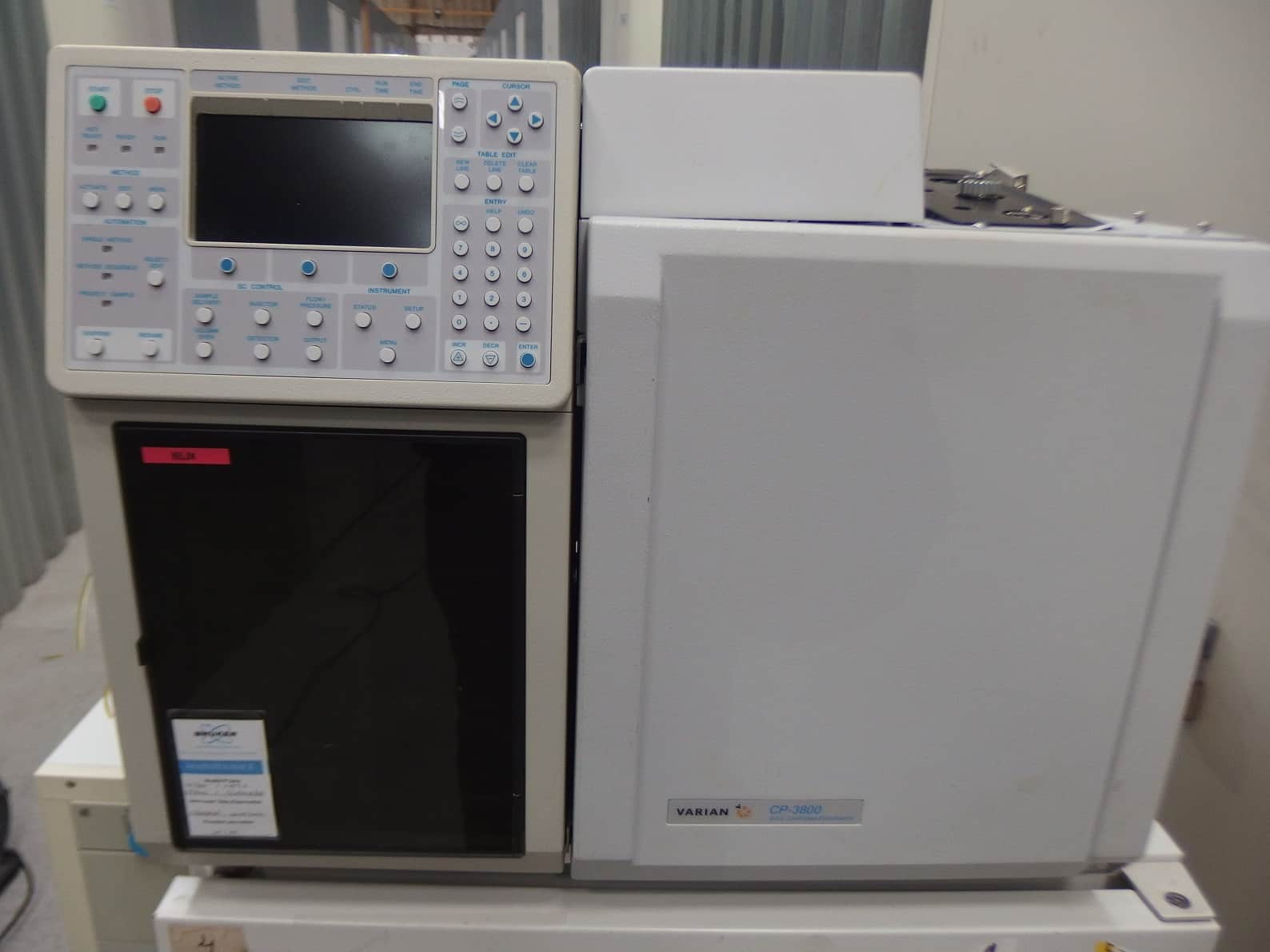 VATRIAN CP-3800 Chromatograph without detector
