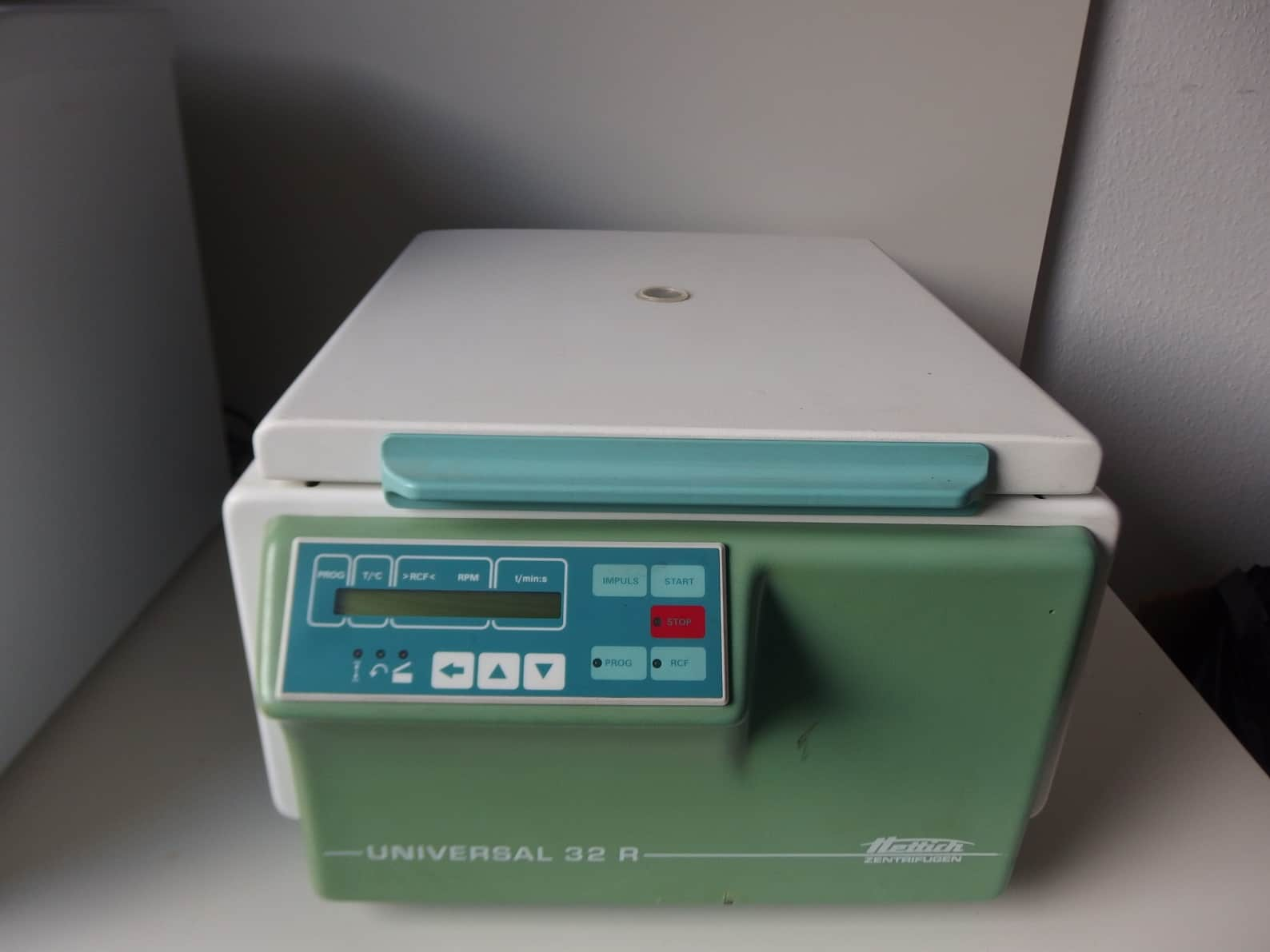 Not Refrigerated Hettich Centrifuge Universal 32