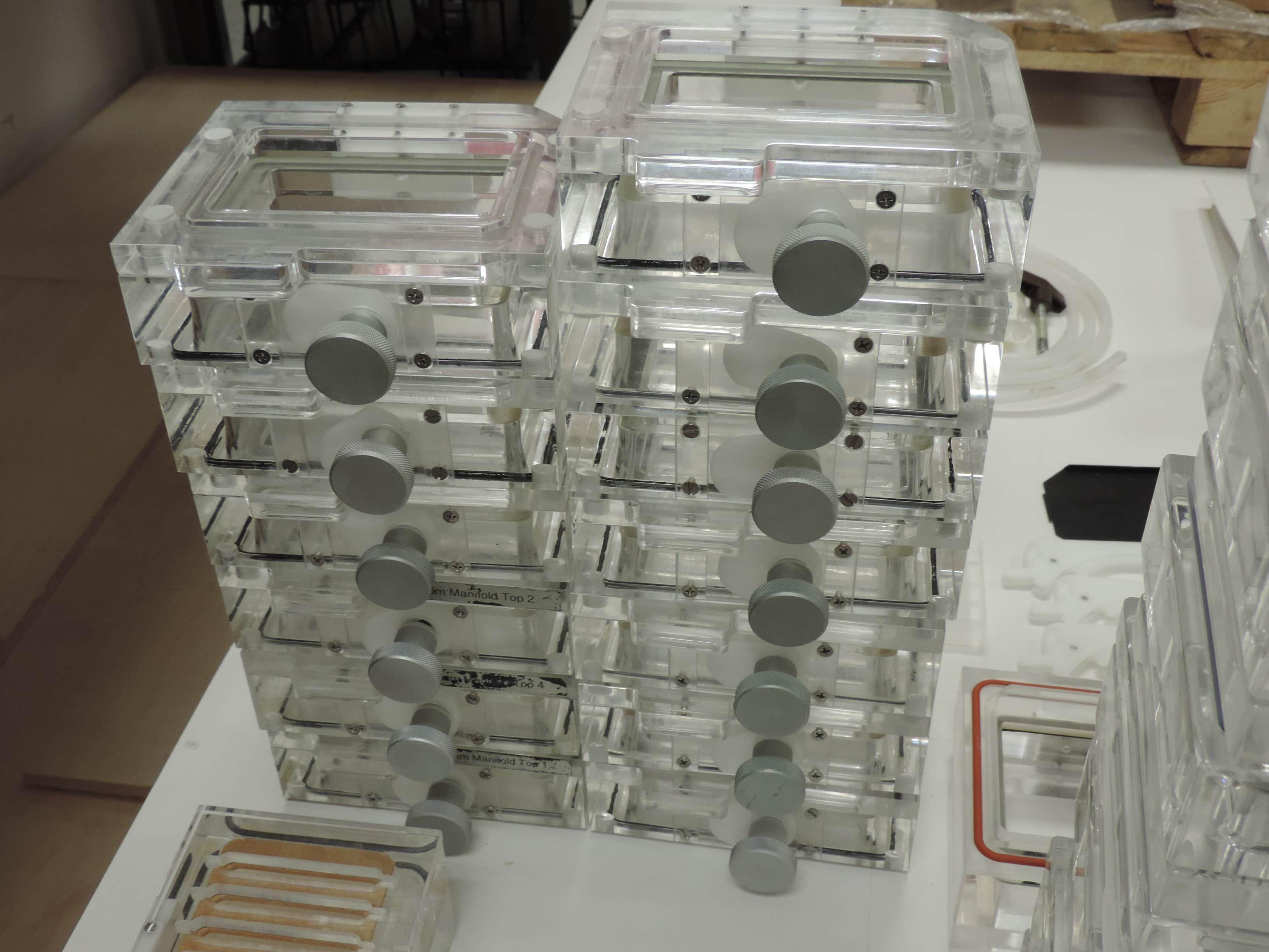 Qiagen™ BioRobot 3000® Molecular Biology Workstation