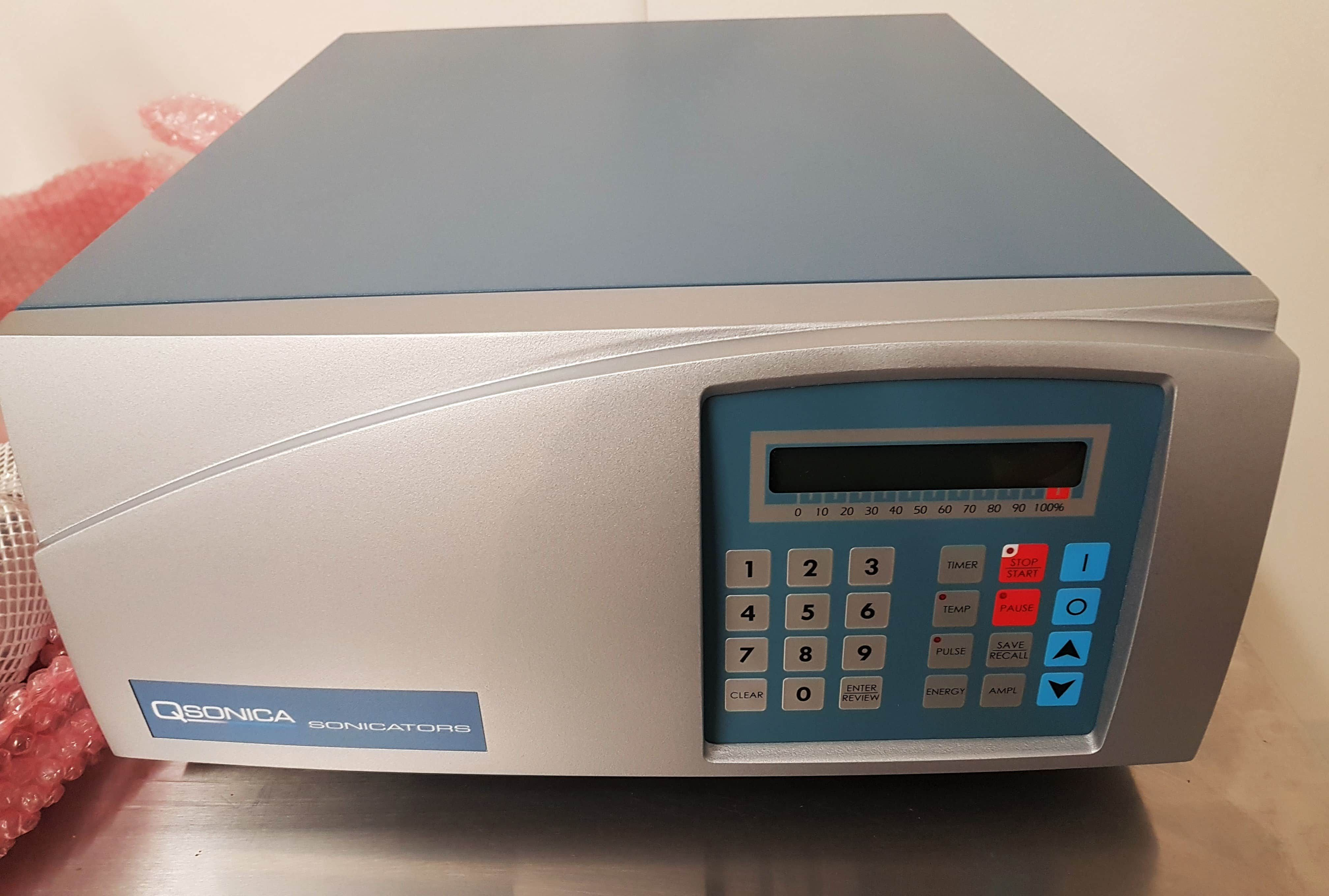 QSonica Q2000 Ultrasonic Processor with Accessories