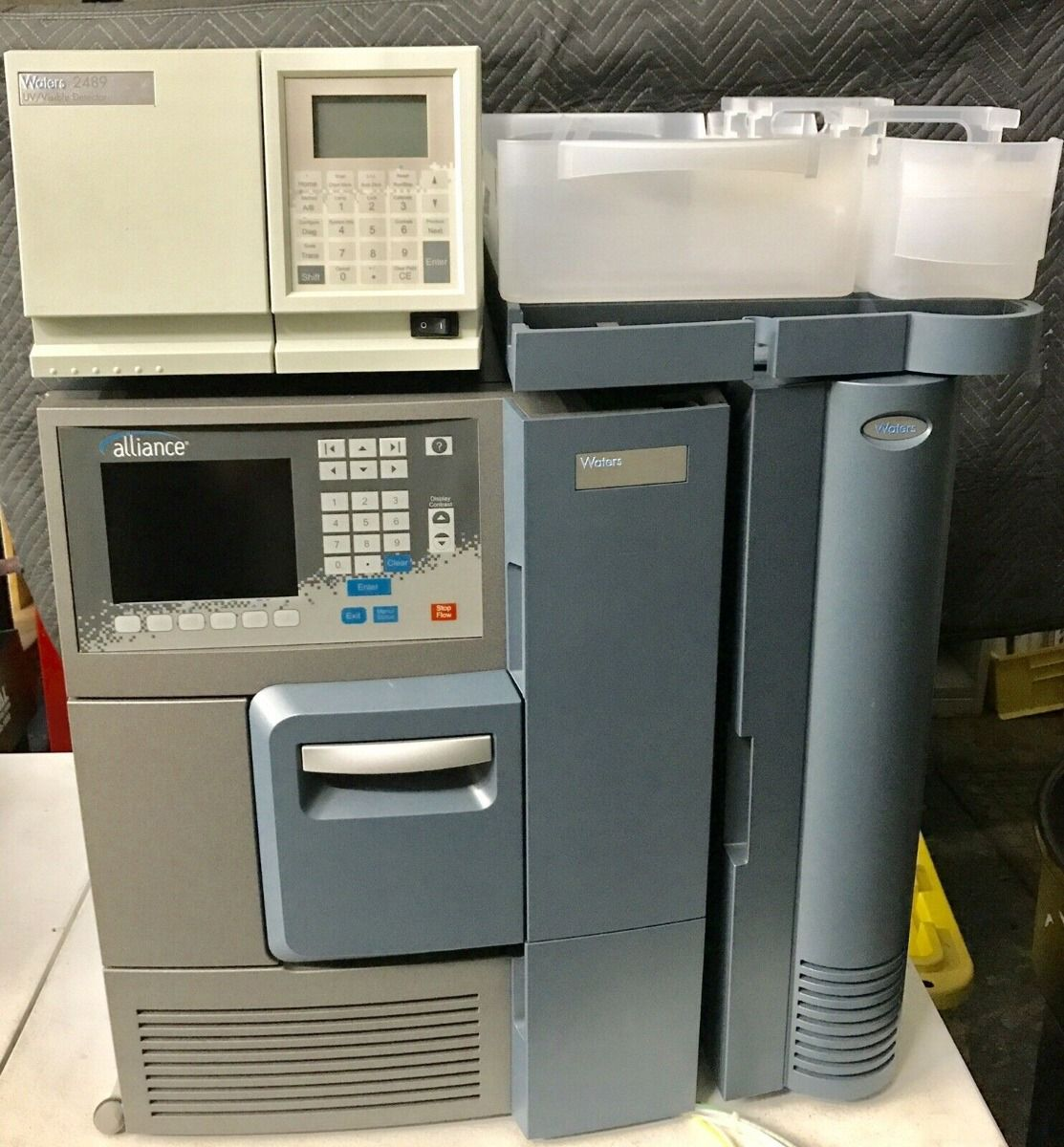 Waters e2695 Alliance, 2489 UV/Vis Detector, HPLC System
