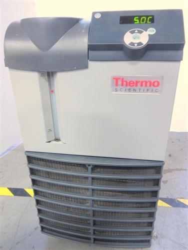 Thermo Scientific Thermoflex 1400 Recirculating Chiller