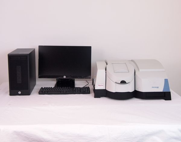 Thermo Evolution 600 UV/Vis Spectrophotometer