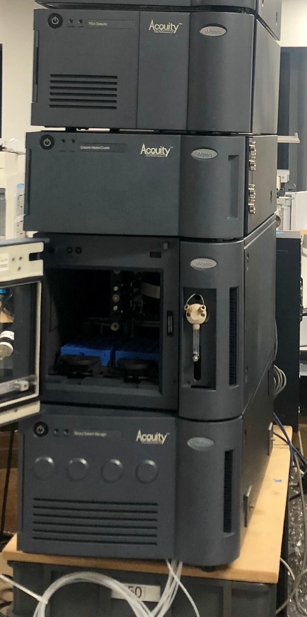 Waters ACQUITY UPLC System PDA Detector Sample Binary Solvent Manager,Column H/C with Computer loaded with empower 2.