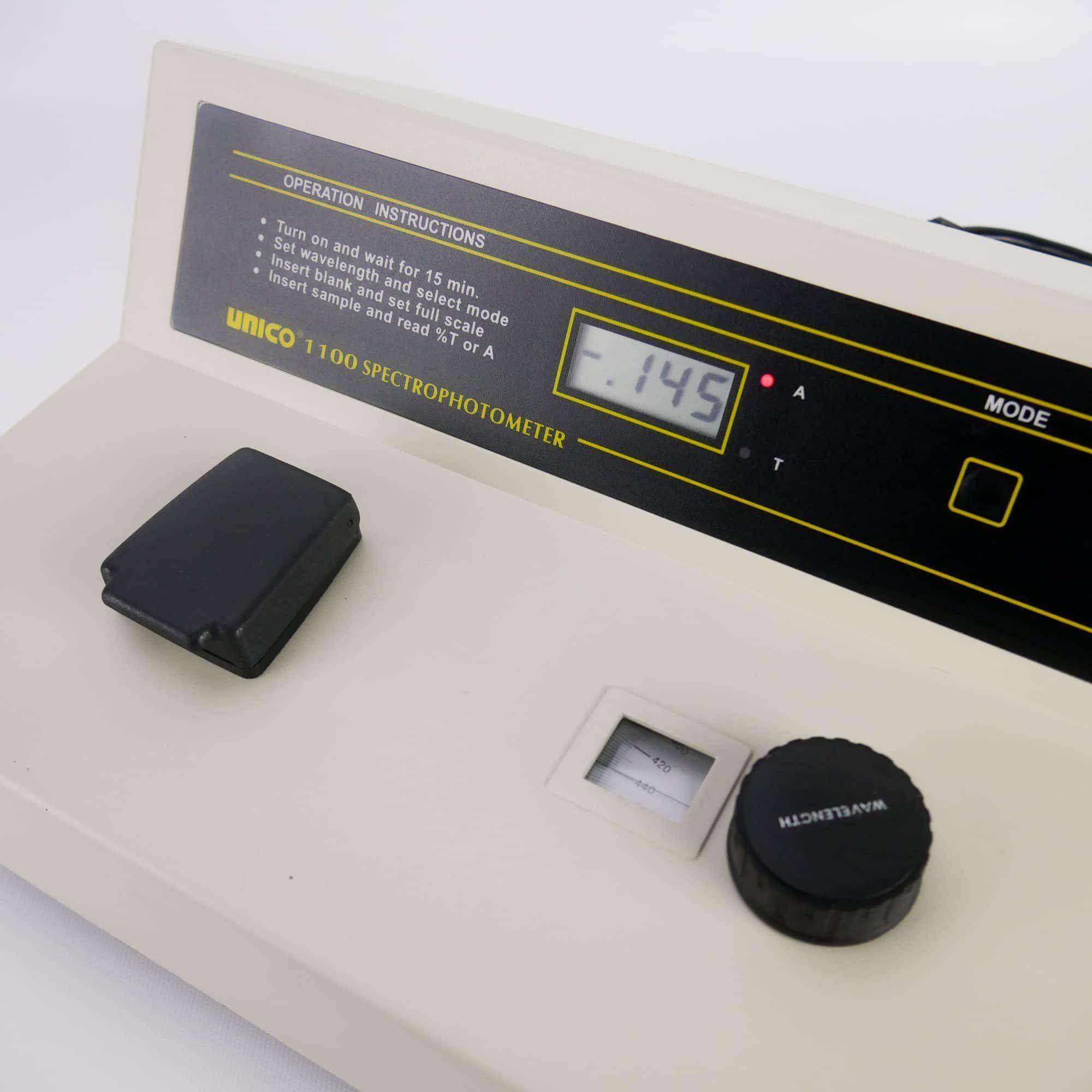 UNICO Model 1100 Spectrophotometer