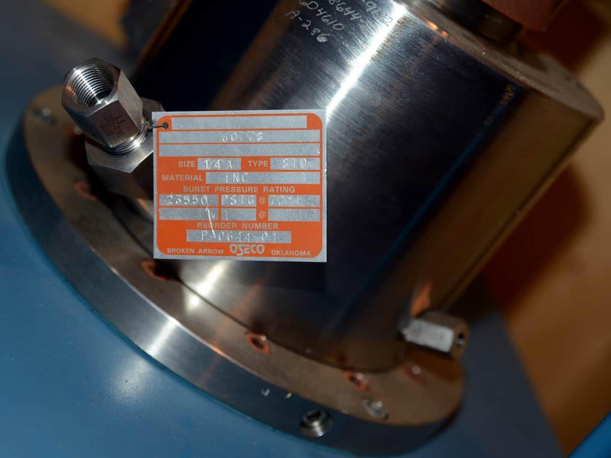 Autoclave Engineers 2 Liter Reactor 25,000 PSI @ 700 F