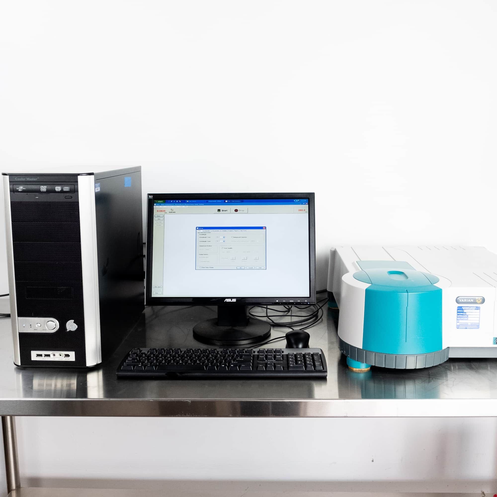 Varian Cary 50 UV-Vis Spectrophotometer with Computer and Software