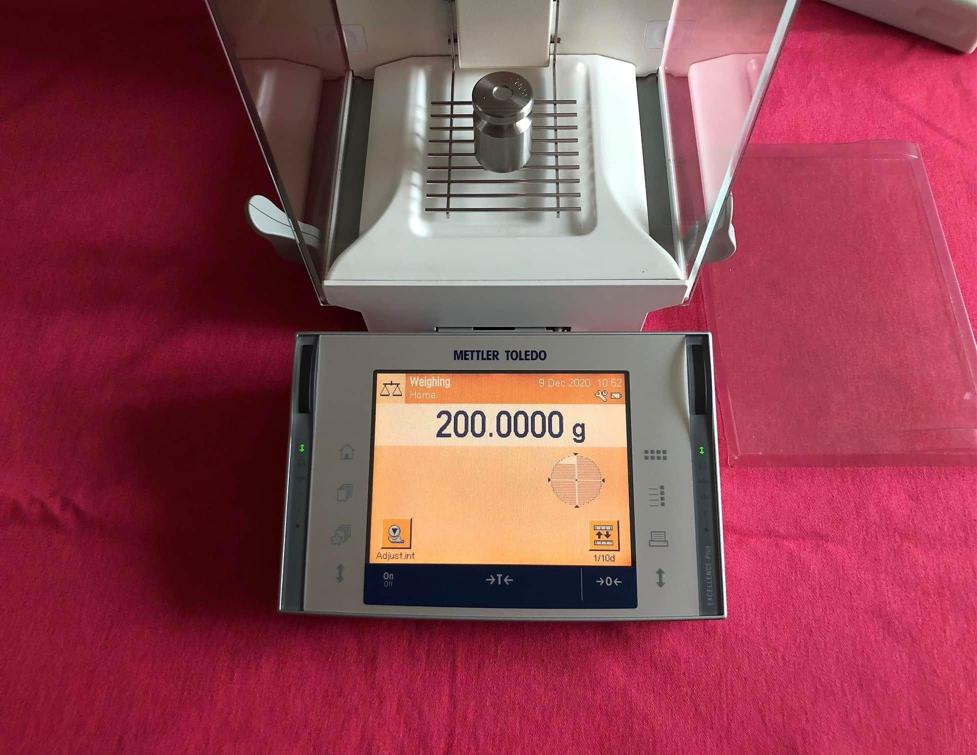 Mettler Toledo XP204 Analytical Balance Scale 220.0000g